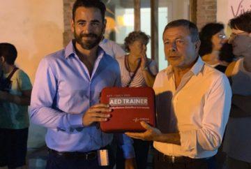 """Donato al Casale Papandrea un defibrillatore dal consorzio laboratoristico """"C.D.I. Centro Diagnostico Ionia a r.l."""""""